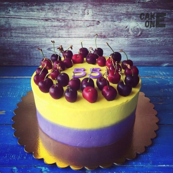 Двухцветный торт с черешней