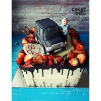 Торт на юбилей с джипом и водителем