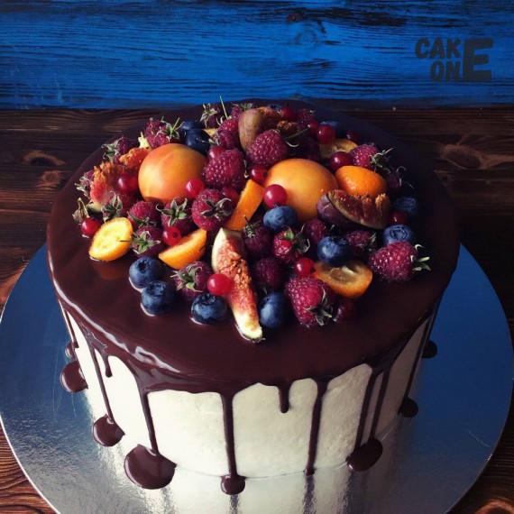 Торт с экзотическими фруктами
