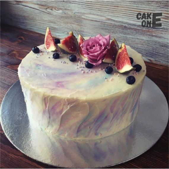 Мраморный торт с цветком