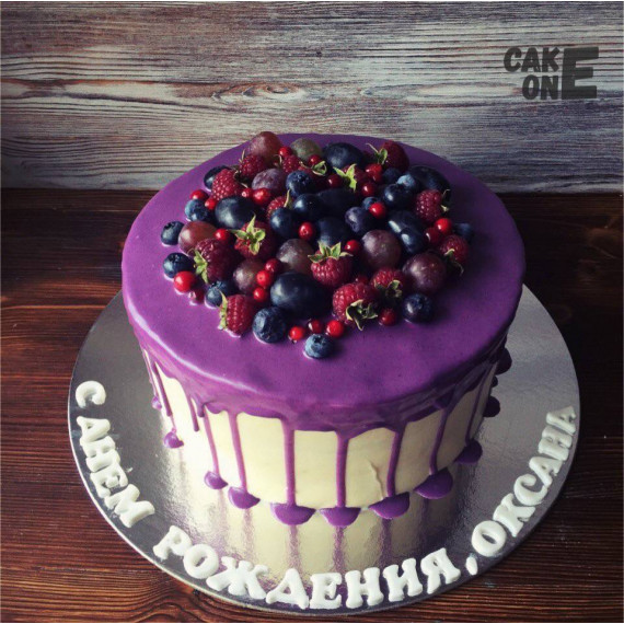 Торт с фиолетовой глазурью