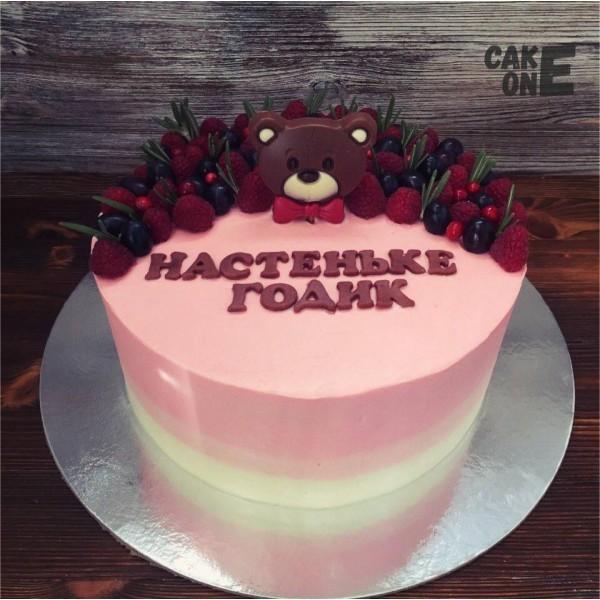 Розовый торт с головой медведя