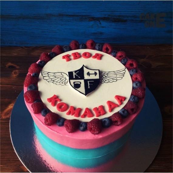 Торт для команды с эмблемой