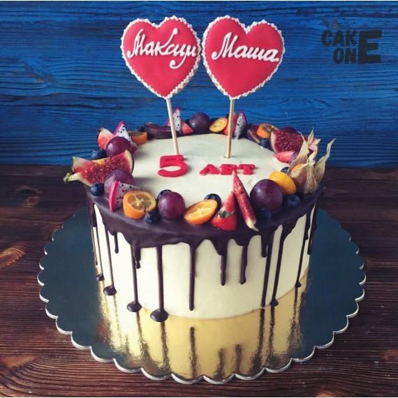 Торт на 5 лет с двумя сердцами