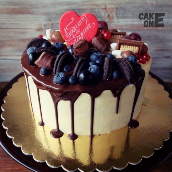 Торт для бабушки с сердечком
