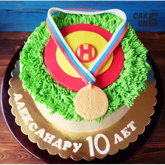 Торт с медалью