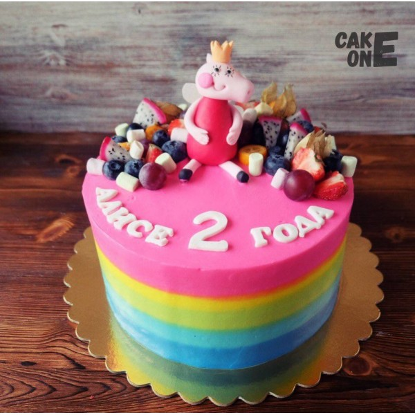 """Разноцветный торт со """"Свинкой Пеппой"""""""