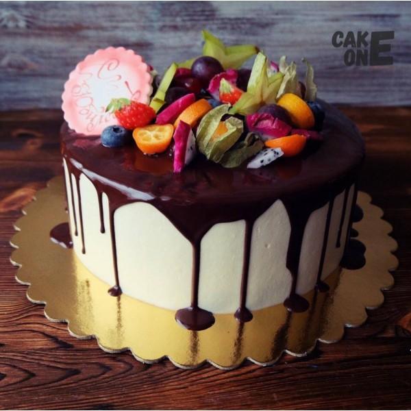 Торт на юбилей с фруктами