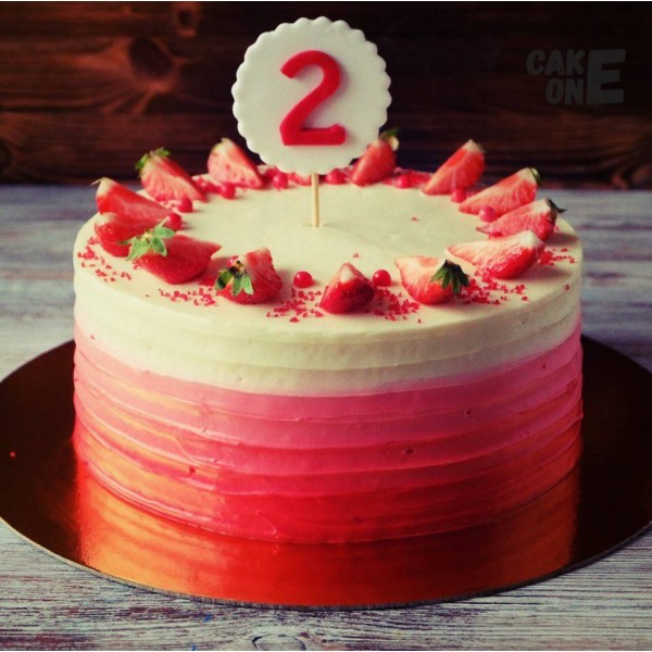 Торт с градиентом на 2 года