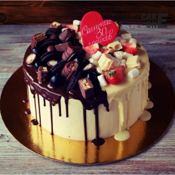 Торт на 30 лет с красным сердцем