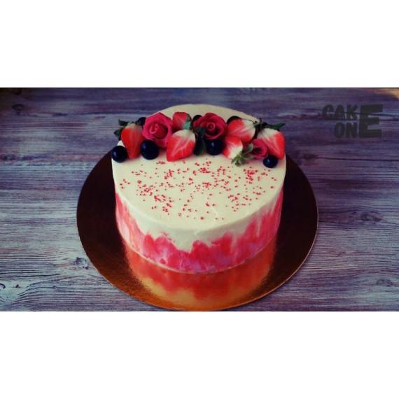Торт с красной окантовкой и розами