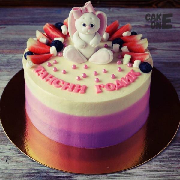 Торт с зайкой на 1 год