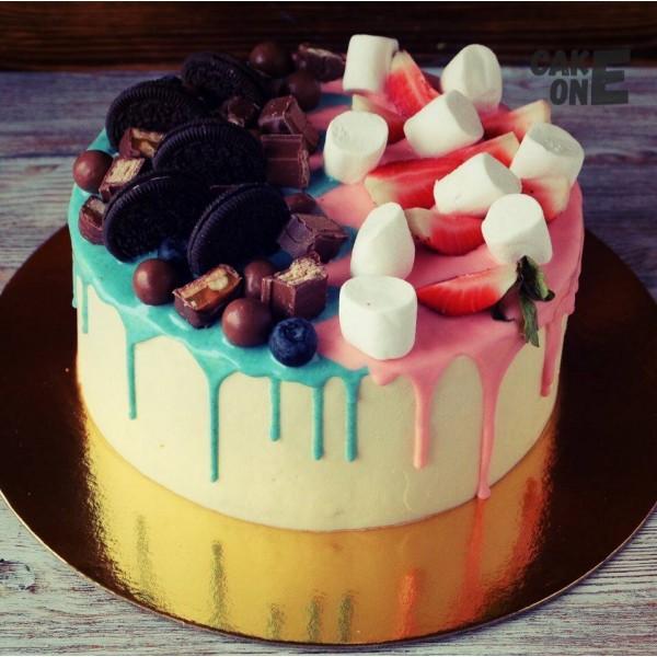 Розово-голубой торт с маршмеллоу