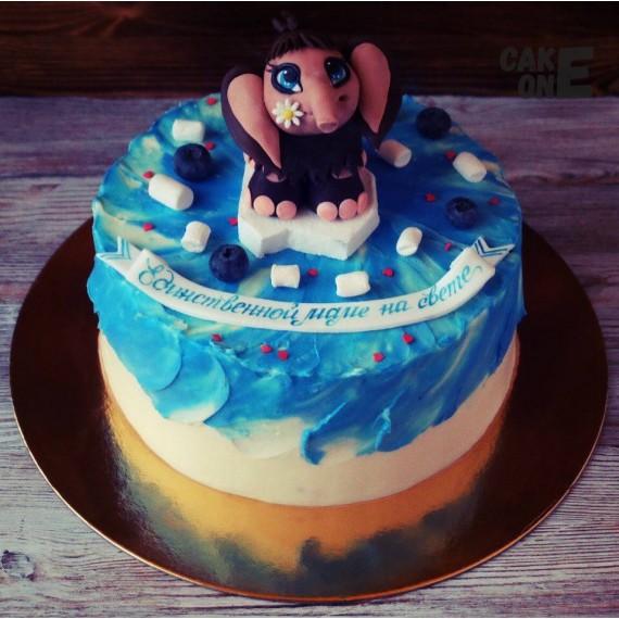 Торт для мамы с мамонтенком на голубом фоне