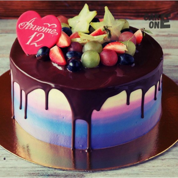 Торт-градиент с сердцем на 12 лет
