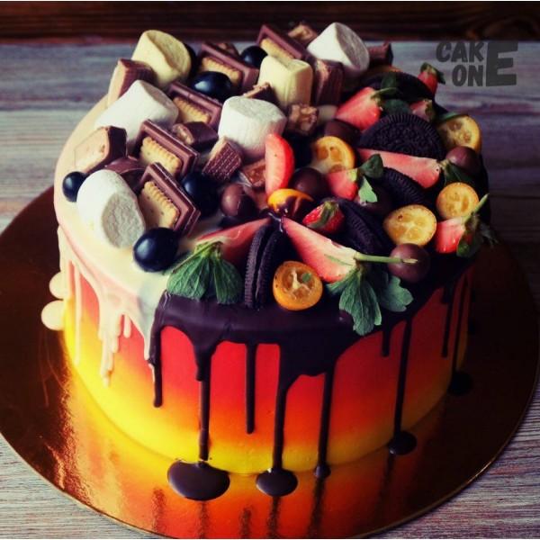 Градиентный торт со сладостями
