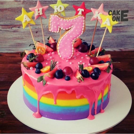 Торт-радуга на 7 лет со звездами