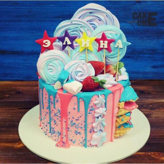 Торт с цветной глазурью и зефиром
