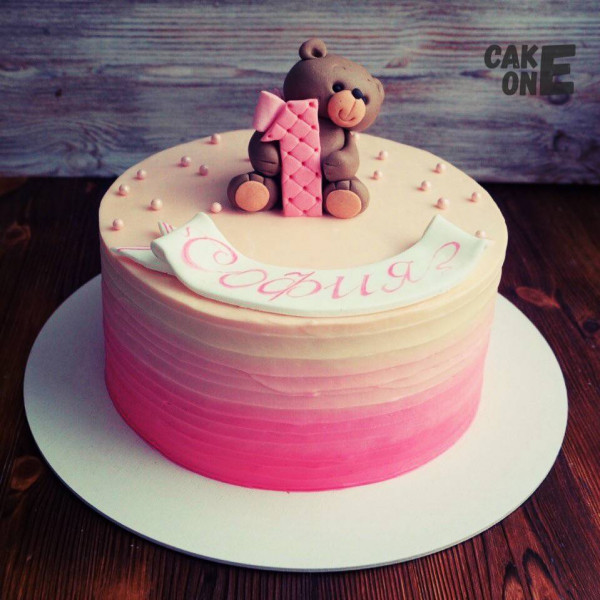 Градиентный торт с мишкой