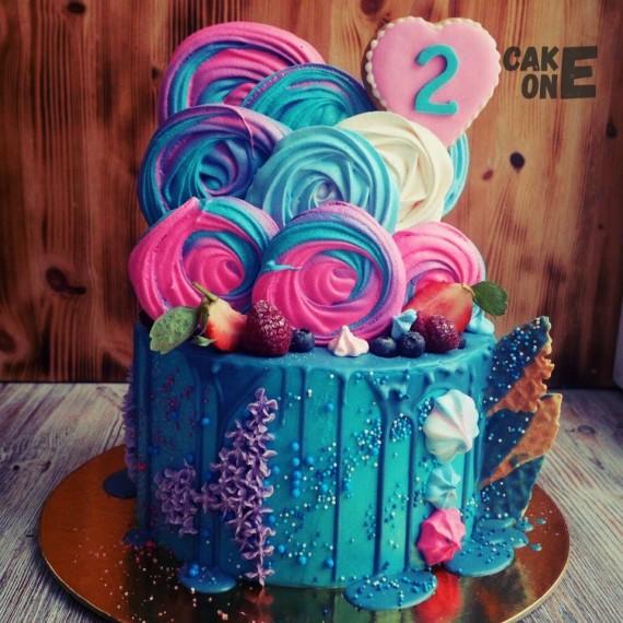 Торт с крупным зефиром и сердцем на 2 года