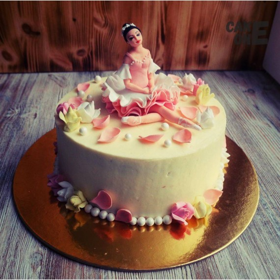 Торт с балериной