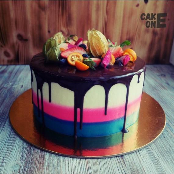 Трехцветный торт с глазурью