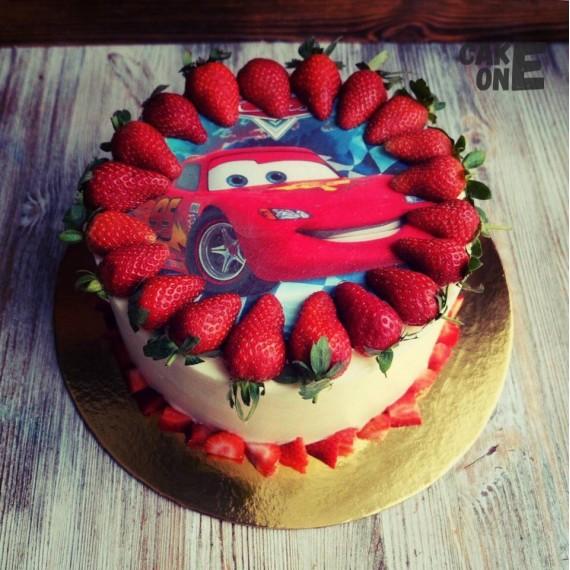 """Фото-торт """"Молния Маккуин"""""""