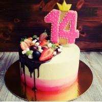 Трехцветный торт на 14 лет