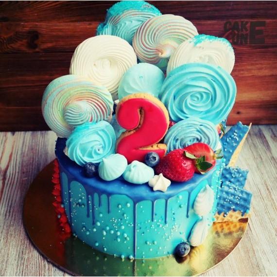 Голубой торт с большим зефиром на 2 года