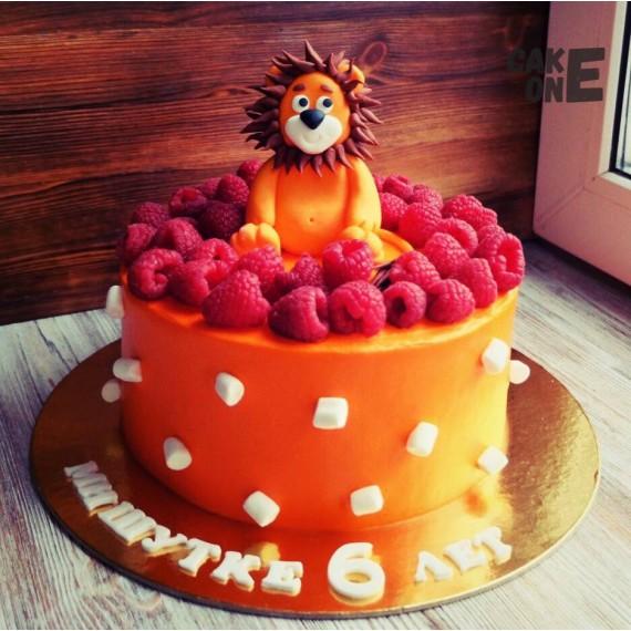 Оранжевый торт со львом