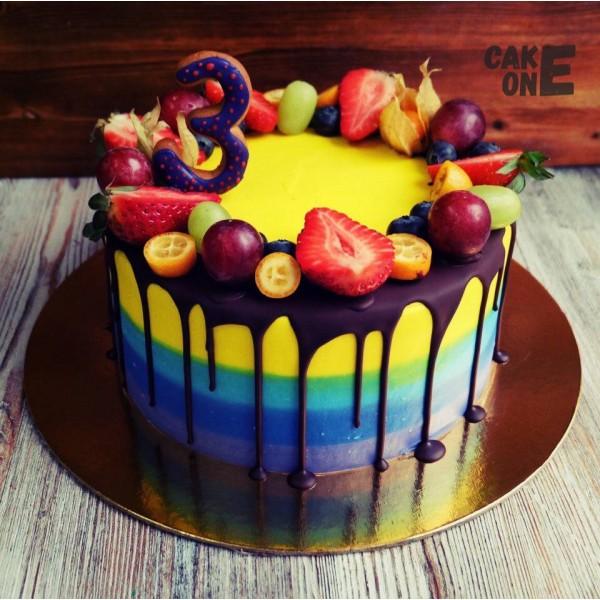 Разноцветный торт на 3 года