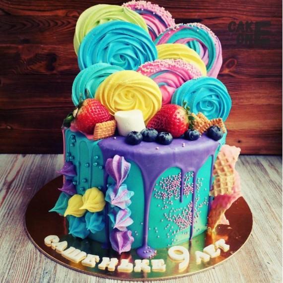 Голубой торт с цветным зефиром