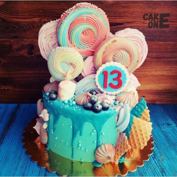 Голубой торт с большым зефиром на  13 лет