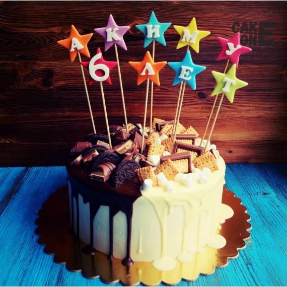 Торт с двухцветной глазурью и звездами