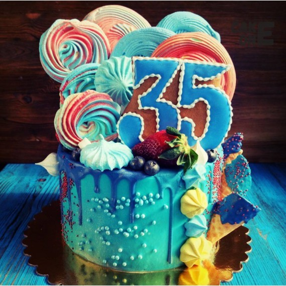 Голубой торт с цветным зефиром на юбилей