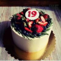 Белый торт на 19 лет