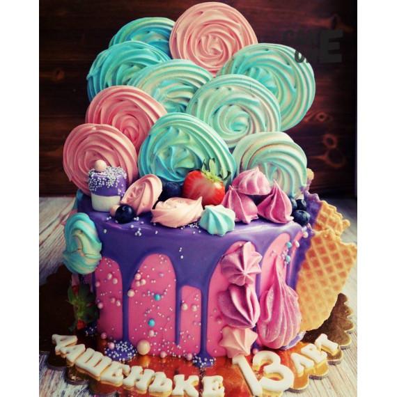 Торт с большим зефиром и вафлями