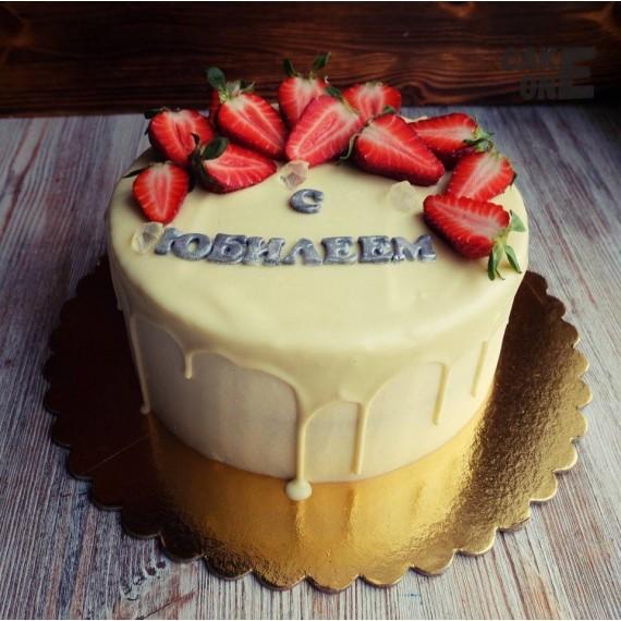Белый торт на юбилей