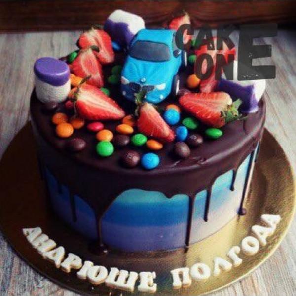 Торт с голубой машинкой