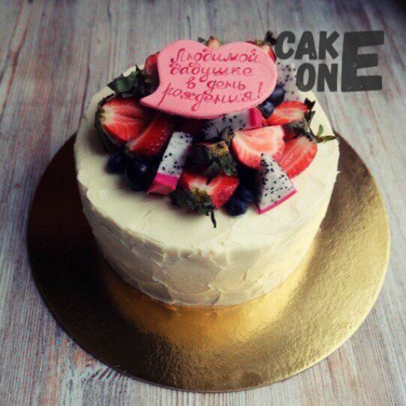 Торт с сердечком для бабушки