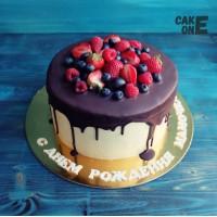 Торт с ягодой для мамы