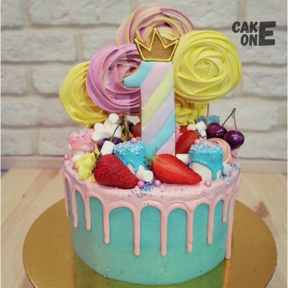 Голубой торт с большим зефиром на 1 год