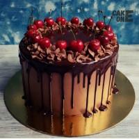 Шоколадный торт с черешней
