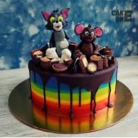 """Торт-радуга с """"Том и Джерри"""""""