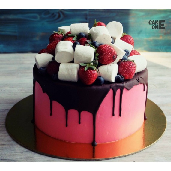 Розовый торт с маршмеллоу