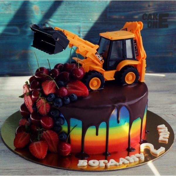 Торт-радуга с желтым трактором