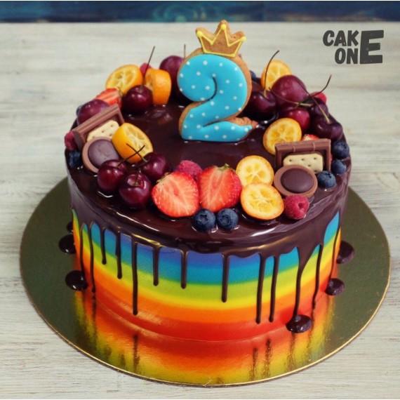 Торт-радуга с ягодой и шоколадом на 2 года
