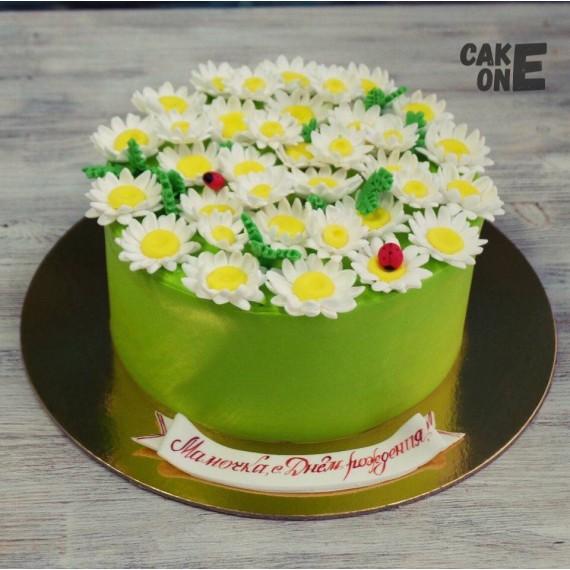 Торт для мамы с ромашками