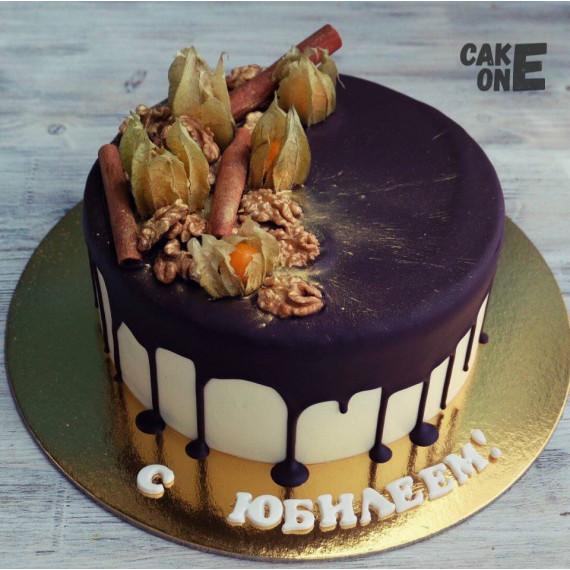Торт с корицей и орехами