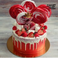 Красный торт с большим зефиром на 3 года
